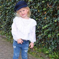 The way you wear your hat #hat #sailorgirl #captainhat #fishermanshat #ootd #kidsfashionblog #kinderkleding #kindermode #fashionmom #instakids #kidsofig #ig_kids #kinderkledinginspiratie #kidsstylist