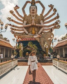 Wat Plai Leam - Koh Samui Thailand : Los sueños se cumplen cuando entras en Tailandia Dreams come true when you enter Thailand Etiqueta a alguien con quién te gustaría estar aquí Tag someone with whom you would like to be here . Bangkok Thailand, 10 Days In Thailand, Thailand Travel Guide, Thailand Photos, Bangkok Travel, Visit Thailand, Asia Travel, Thailand Honeymoon, Samui Thailand