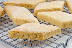 Dutch brittle cookies, also known as knapkoek here in the South of the Netherlands is a cookie that reminds me of my grandmother. Dutch Recipes, Sweet Recipes, Yummy Recipes, Dutch Cookies, Baking Bad, Recipe Images, No Bake Desserts, Let Them Eat Cake, Baked Goods