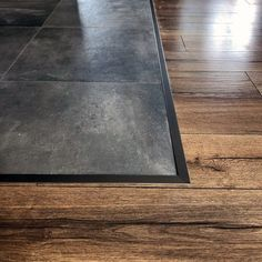 Top 70 Best Tile To Wood Floor Transition Ideas – Flooring Designs Sleek Tile To Wood Floor Transition Ideas Hallway Flooring, Wood Tile Floors, Slate Flooring, Living Room Flooring, Bedroom Flooring, Kitchen Flooring, Hardwood Floors, Tile Bedroom, Kitchen Soffit