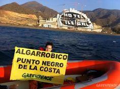 Greenpeace denuncia ocho casos en los que la empresa de El Algarrobico ha ignorado las leyes ambientales y urbanísticas