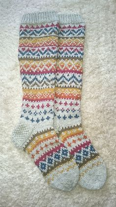 Fair Isle Socks by ippu's kirjoneulesukat on Ravelry . Crochet Socks, Knitted Slippers, Knit Or Crochet, Knitting Socks, Hand Knitting, Knitting Patterns, Crochet Patterns, Fair Isle Knitting, Knitting Accessories