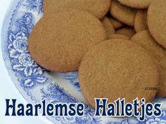 Haarlems Halletje is lekker koekje / recept / Koekje / ISBN 9789080568464 / Oer Hollandse lekkernij / bakken / oven / Zeeuwse bloem / kruidnagel / kaneel.