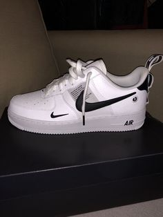 - Nike - Best Shoes World New Shoes, Women's Shoes, Shoe Boots, Shoes Sneakers, Green Sneakers, Yeezy Shoes, Tenis Nike Casual, Souliers Nike, Nike Shoes Air Force