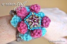 Crochet Bracelet Cuff – V-Stitch {free crochet pattern