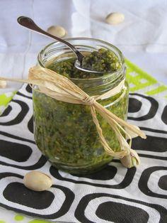 C'était la première fois que je m'essayais au pesto et je dois dire que je ne suis pas déçue! C'est une recette prête en 5 minutes chrono et inratable. L'essayer,... Pesto, Pickles, Cucumber, Sauces, Vegetables, Dire, Food, Pistachios, Preserves