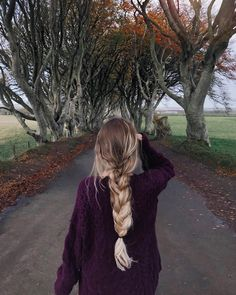 Pin by Maria Belen Ramirez on peinados in 2019 Messy Hairstyles, Pretty Hairstyles, Hair Inspo, Hair Inspiration, Cabelo 3c 4a, Pinterest Hair, Dream Hair, Hair Dos, Gorgeous Hair