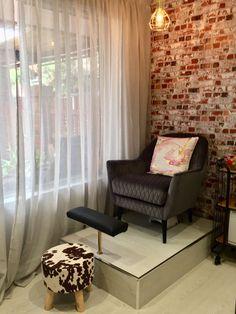 Custom Pedicure Platform at Acetone Addicts Home Beauty Salon, Home Hair Salons, Beauty Salon Decor, Home Salon, Nail Salon Design, Nail Salon Decor, Salon Interior Design, Spa Room Decor, Beauty Room Decor