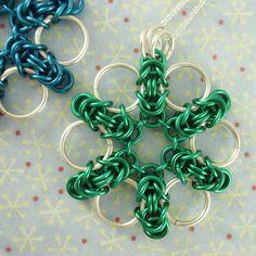 Byzantijnse bloem hanger, halsketting of sleutelhanger Kit - veelzijdige, leuke en gemakkelijke Chainmaille