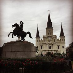 #JacksonSquare #NewOrleans #StLouisCathedral #FrenchQuarter #latergram #historic #Louisiana #NOLA #Nawlins #kcco #GeneralJackson by jrandalliv