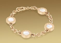 Bulgari Bulgari bracelet in18 kt pink gold with mother of pearl and onyx.