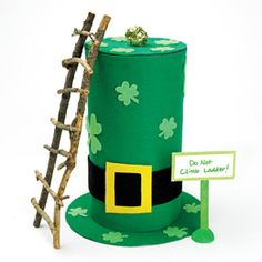 To Catch a Leprechaun Craft : This is cute I think I will use it as a table display. You might even catch a leprechaun! Fete Saint Patrick, Sant Patrick, St Patrick's Day Crafts, Holiday Crafts, Holiday Fun, Holiday Ideas, Holiday Foods, Holiday Decorations, Table Decorations
