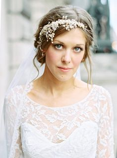 Beautifully Festive London Wedding from Ann-Kathrin Koch - wedding hairstyle