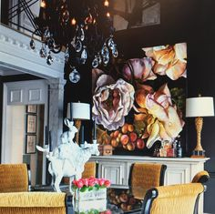 This floral masterpiece from @dianawatson70 creates a beautiful still life backdrop to an opulent home in Alabama. Otomys gallery is excited to share a collection of Diana's new bodies of work, inspired by her love of fabric and textiles. Stay tuned for more details of her upcoming exhibition in our gallery soon! // ' Emilia' Oil on linen by Otomys artist Diana Watson
