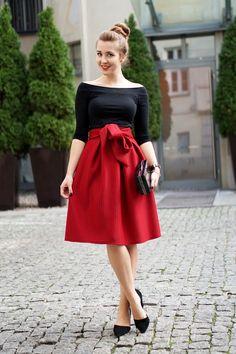 ootd czerwona spódnica midi na jesień 2015 rozkloszowana z kokardą