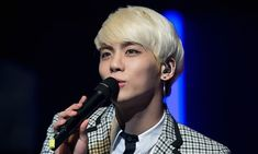Kim Jonghyun - excellent article about the Kpop industry