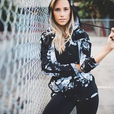 This is how we TRICK OR TREAT. @meg_legs {antigua slate here and there jacket + classic black go long leggings}.