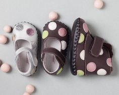 pediped originals footwear are designed to be the 'next best thing to bare feet'. Pediped is soft soled baby shoes for babies and kids. many pffernt colors to choose from. SugarBabies moms love Pediped