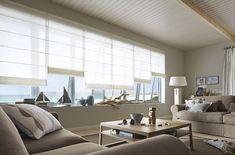 Unser neuer Faltrollo: praktische Technik, geradliniges Design. Panorama Fenster im Wohnzimmer sehen damit immer klasse aus! Schöner Wohnen mit Gardinen und Vorhängen von Trebes Raumausstattung.