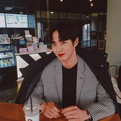 Cute Asian Guys, Asian Boys, Asian Men, Asian Actors, Korean Actors, All Korean Drama, Ahn Hyo Seop, Joon Hyuk, Romantic Doctor