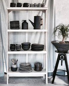 I made a thing! A shelf-thing! I set it up for a quick photo, but I'll be snapping a professional shot tomorrow. I can't wait to set up! ______________________________________________________________#ceramics #clay #pottery #art #craft #contemporaryceramics #tableware #breakfast #keramik #handmade #mugs #tea #design #coffee #pourovercoffee #pourover #céramique #homedecor #woodworking #skuttkilns #contemporarycraft #foodphotography #photography #portland #oregon #madeinaskutt #cerámica #陶瓷…