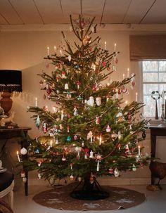 Swedish Christmas, Christmas Mood, Retro Christmas, Country Christmas, Christmas Lights, Christmas Porch, Primitive Christmas, Father Christmas, Outdoor Christmas