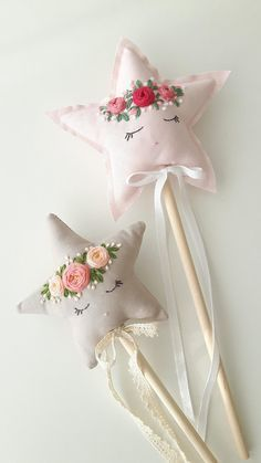 Fairy Wand Magic wand Fairy Princess Flower girl Room so cute Felt Crafts, Fabric Crafts, Sewing Crafts, Diy And Crafts, Crafts For Kids, Felt Diy, Kids Diy, Hand Embroidery, Embroidery Designs