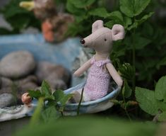 Garden Sculpture, Teddy Bear, Toys, Outdoor Decor, Pattern, Animals, Scale Model, Pictures, Activity Toys