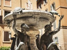 Fontaine des Tortues - photo by Silvia Adalia