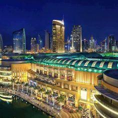 World's Largest Mall ~ Dubai. Shopping !!!! :)