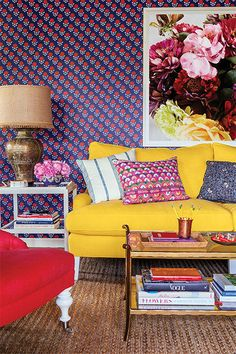 Inside Mindy Kaling's Office//yellow couch and printed wallpaper Living Room Decor, Living Spaces, Living Rooms, Living Area, Yellow Couch, Yellow Table, Interior And Exterior, Interior Design, Mindy Kaling