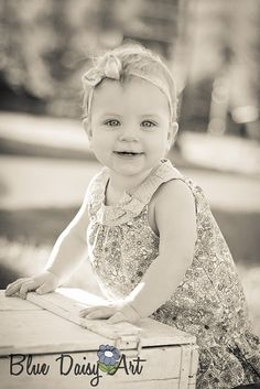 nine month portraits - Yahoo Image Search Results Toddler Photography, Newborn Baby Photography, Photography Ideas, Old Portraits, Maternity Portraits, Toddler Pictures, Baby Pictures, Picture Poses, Picture Ideas