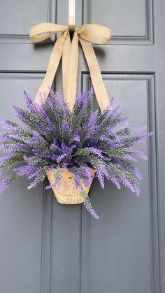 Spring Door Wreaths, Easter Wreaths, Summer Wreath, Wreaths For Front Door, Holiday Wreaths, Wreath Crafts, Diy Wreath, Easter Crafts, Floral Arrangements