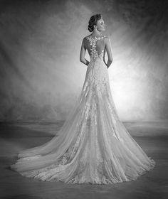 Nika - Vestido de novia en chantilly y tul y escote de pico