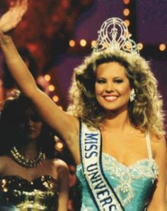 Angela Visser - Holland - Miss Universe 1989