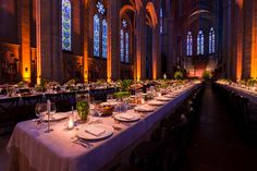 An elegant dinner in Grace Cathedral.  Lighting Design by Got Light.
