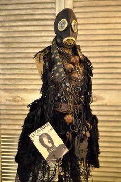 #sharespirit #antique#gusmask#lace#steampunk#display  アンティークパーツを使用 スチームパンク ガスマスク