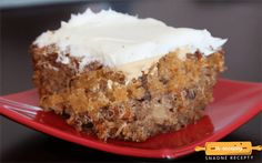 Carrot Cake with Cream Cheese Frosting From Seth Stempson Cake: 3 cups grated carrots 2 cups all-purpose flour 2 cups white sugar 2 teaspoons baking soda 1 teaspoon baking powder teaspoon salt . Cake With Cream Cheese, Cream Cheese Frosting, Fall Recipes, Great Recipes, Delicious Desserts, Dessert Recipes, Cake Day, Let Them Eat Cake, Baked Goods