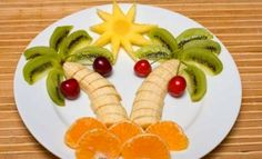 the top 20 Ideas About Creative Healthy Snacks . 7 Creative Healthy Snacks that Your Kids Will Love Fruit Salad Tree, Tropical Fruit Salad, Best Fruit Salad, Fruit Salad Recipes, Fruit Salads, Salads For Kids, Fruits For Kids, Healthy Snacks For Kids, Healthy Food