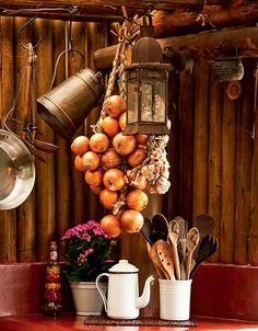 O bule de ágata tem lugar garantido na cozinha rústica do diretor de arte apaixonado por cozinha, Silas Botelho