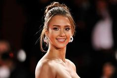 [Pics] The Reason We Don't See Jessica Alba in Movies Anymore Jessica Alba, Dwayne Johnson, Chris Hemsworth, Latino Actors, Actors Images, Hollywood, Moda Fitness, Gwyneth Paltrow, Workout