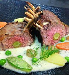 Αρνάκι καρέ γεμιστό με μους αγκινάρας - www.olivemagazine.gr Steak, Food, Kitchens, Essen, Steaks, Meals, Yemek, Eten