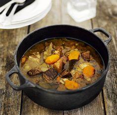 Karjalanpaisti, Karelian stew - one of my favourite traditional Finnish foods… Finnish Cuisine, Finland Food, Nordic Recipe, Finnish Recipes, Soup Recipes, Healthy Recipes, Norwegian Food, Scandinavian Food, Dinner Menu
