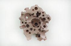 Beat Zoderer - KUGELGUSS - 2013 - Pigmented concrete, 51 x 44 x 22.5