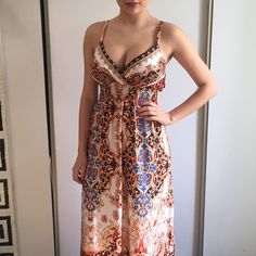 NWOT printed maxi dress On me, this dress is just about floor length & I am 5'6. No tags but never worn. Comment with any questions❤️ Dresses Maxi