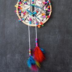 10 minute dreamcatcher project via craftingconnections.net