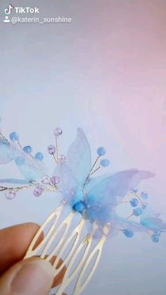 Creative Crafts, Diy And Crafts, Prom Hair Accessories, Hair Grips, Butterfly Hair, Make Your Own Jewelry, Hair Beads, Wedding Hair Pieces, Boho Hairstyles