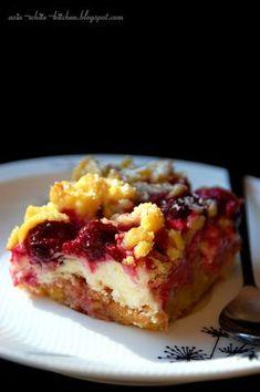 Słodkie cuda: Ciasto kruche z wiśniami, truskawkami i budyniową pianką