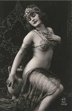 vintage boudoir 1908 amphora is sexy