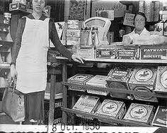 kruidenierswinkel vroeger. Jamin had vroeger alles in blik en er werd koek afgewogen in ging in een papieren zak